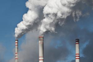 Rauchende Schornsteine Kraftwerk