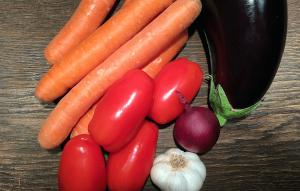Möhren, Aubergine, Tomaten