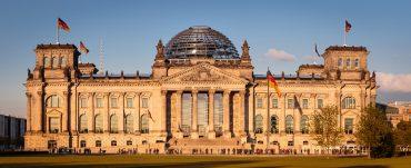 Berlin - Reichstag Außenansicht vom Eingangsbereich