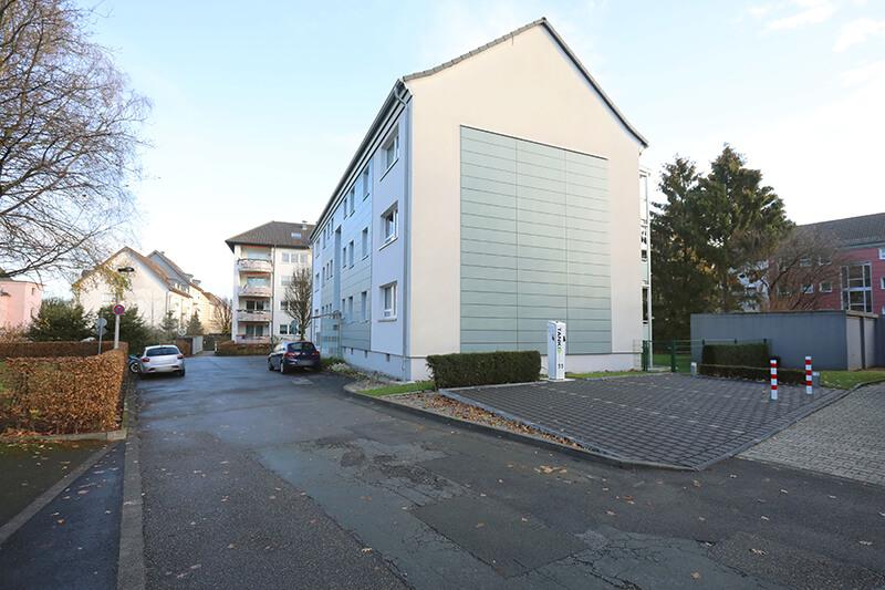 Ladensäule in der Friedenstraße 124a/126a in Solingen (Eigenheim).