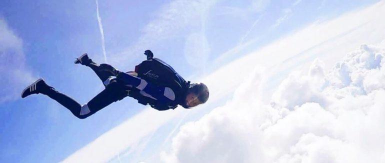 Fallschirmspringen: Lena Sdralek