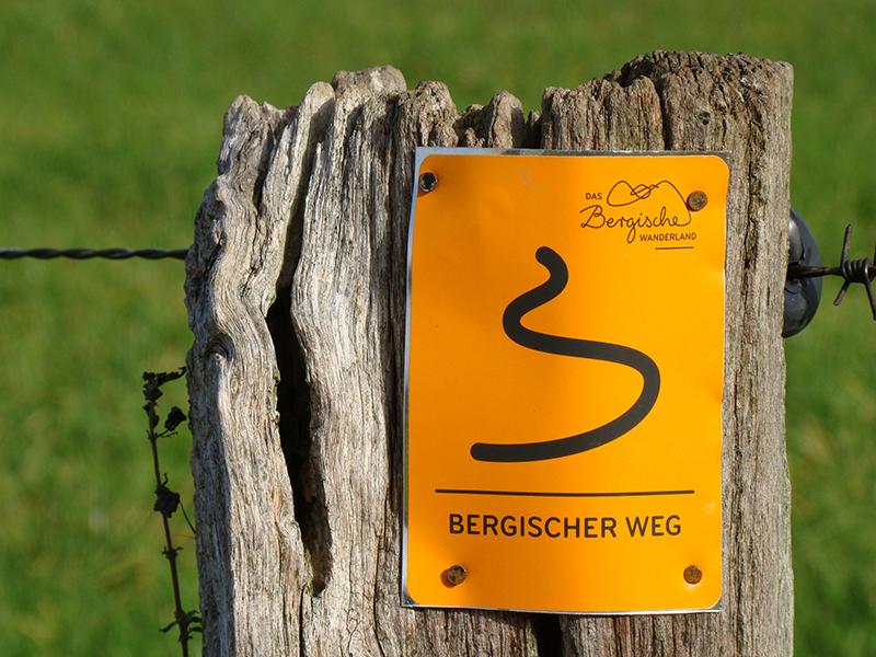 Bergischer Weg (Schild)
