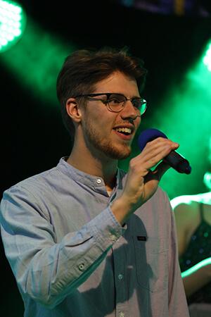Young Voices Solingen - Junge beim Singen