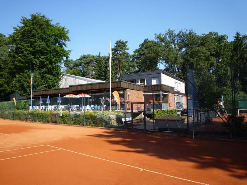 TCO Solingen: Terrase mit Clubheim