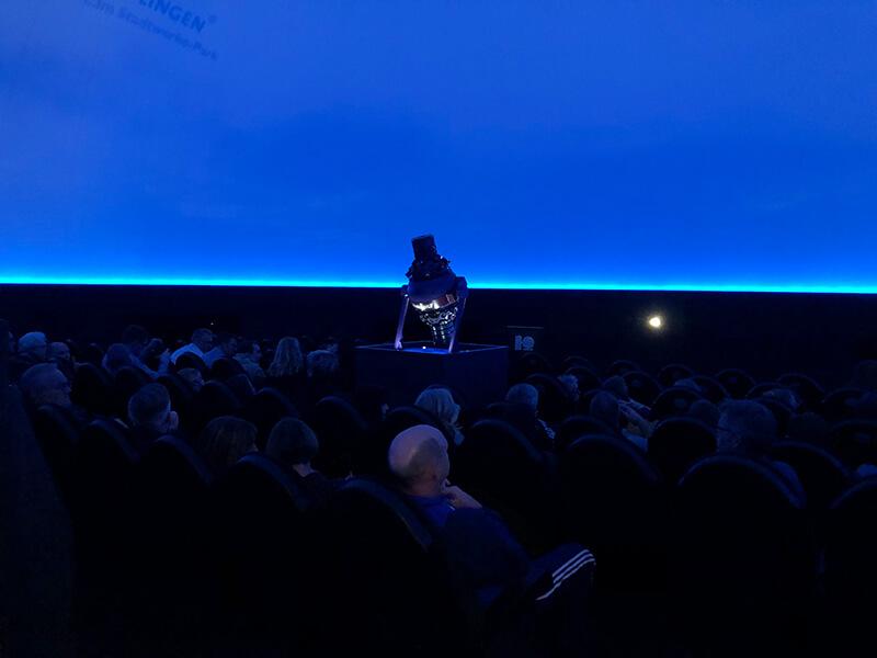 Galileum Solingen: Innenansicht mit Projektor