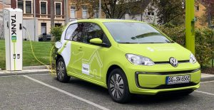VW E-up an Ladestation der Stadtwerke Solingen