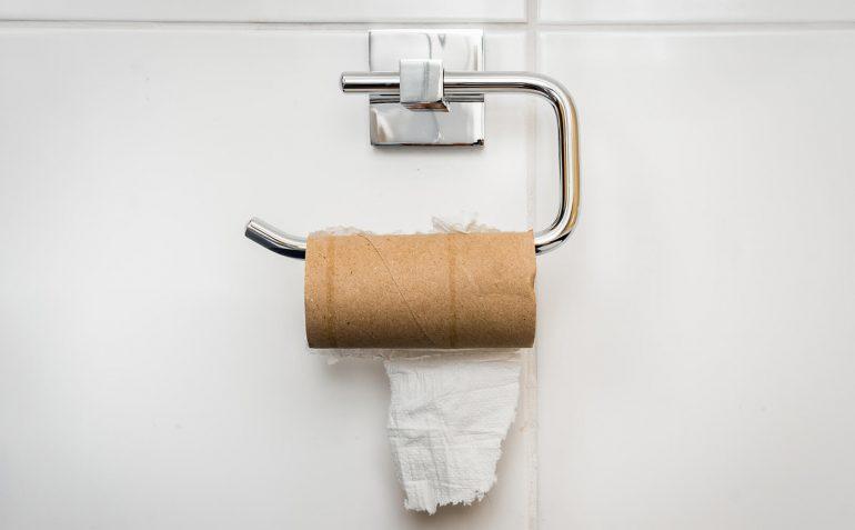Toilettenpapierrolle leer