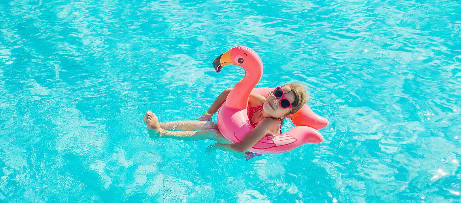 kind-im-pool