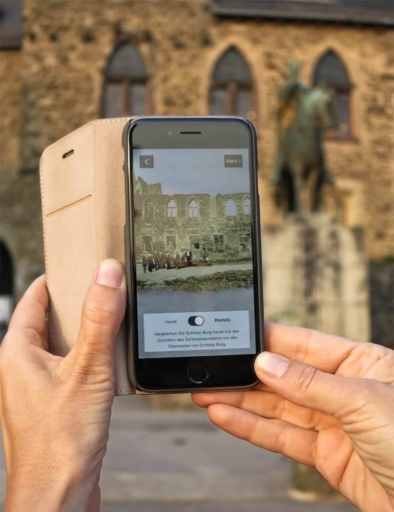 """Die """"Schloss-Burg-App"""" macht es möglich: Ein Blick in die Vergangenheit, Fotonachweis: SBV"""