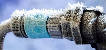 Gartenschlauch gefroren